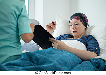 signer, femme, documents, cancer