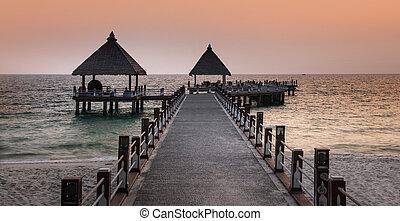 sihanoukville, playa, mar, camino, cambodia.
