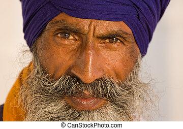 Sikh man in Amritsar, India. - Portrait of Indian sikh man...
