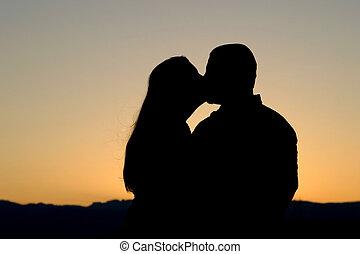 silhouette, bacio