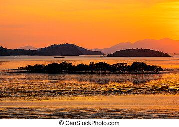 silhouette, bello, tramonto, montagna, sopra, mare