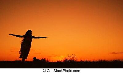 silhouette, ciel, jeune, contre, sauter, orange, girl