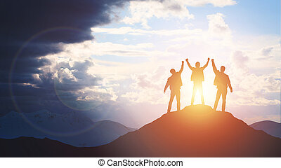 silhouette, di, il, squadra, su, il, mountain.