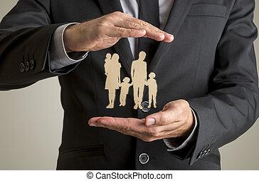 silhouette, famille, père, deux, homme affaires, mère, bébé, protéger, enfants