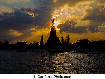 Silhouette of Wat Arun Temple