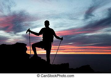 silhouette, randonnée, océan, coucher soleil, montagnes, homme
