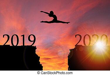 silhouette, sur, saut, 2020, année, nouveau, girl, pour, levers de soleil, falaise