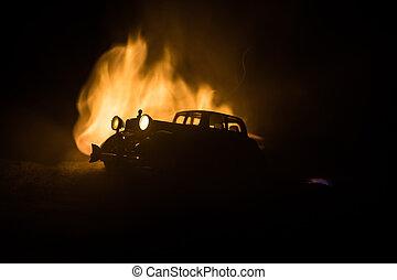 silhouette, von, altes , jahrgangsauto, in, dunkel, neblig, paßte, hintergrund, mit, glühen, lichter, in, niedrig, light.