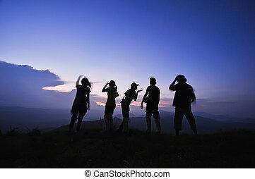 silhouette, vrienden, ondergaande zon