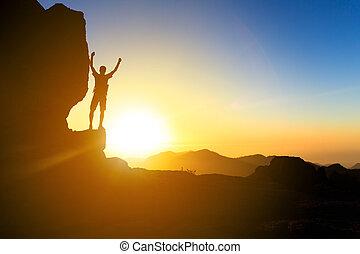 silhouette, wandern, wasserlandschaft, sonnenuntergang, berge, mann