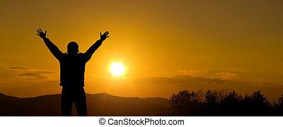 silhuett, av, man, hos, solnedgång