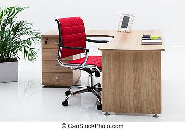 sillón, escritorio rojo