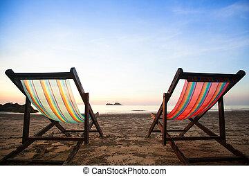 sillas de playa, en, mar, coast.