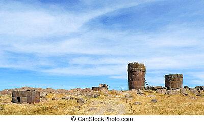 Sillustani, Puno, Peru - Mysterious ancient ruins of...
