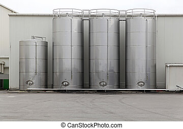 Silo - Stainless steel silo for storing bulk materials in...