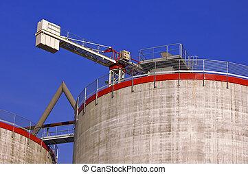 silos, in aanbouw