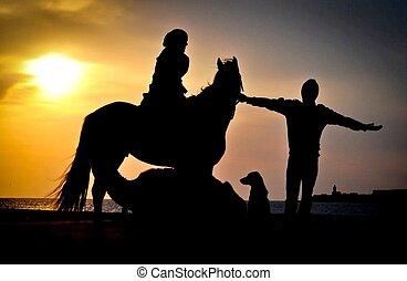 silueta, cavalo, pôr do sol