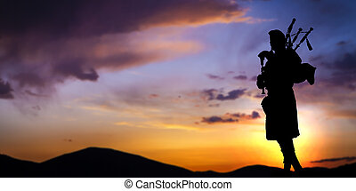 silueta, contra, cielo de puesta de sol, jugador, dramático, gaita