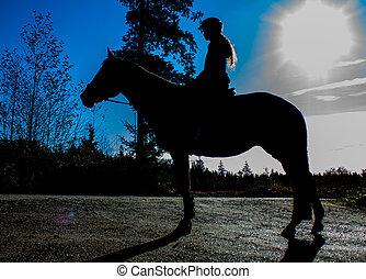 silueta, de, senhora, cavaleiro cavalo