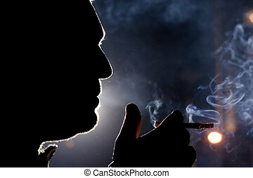 silueta, fumante