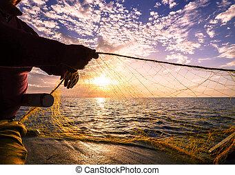 silueta, ocaso, pescador, mano, lanzamiento, pesca, grecia, red, crete