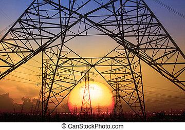 silueta, pôr do sol, cena, de, voltagem alta, elétrico,...