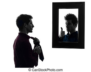 silueta, vestindo, espelho, homem, frente, cima, seu