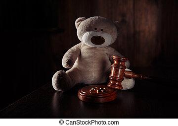 simbolo, teddy, divorzio, concept., legno, anelli, separazione, famiglia, martelletto, orso, child., legge