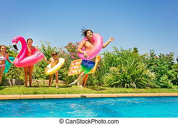simma, pojke, spel, ringa, vänner, spelande damm