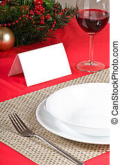 Simple and flawless Christmas table setting