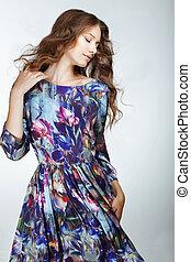 simplicity., giovane, snazzy, donna, in, leggero blu, vestire
