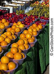 sinaasappel, en, vers fruit, op, een, markt
