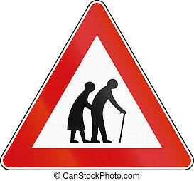 sinal estrada, usado, em, malta, -, pessoas anciãs