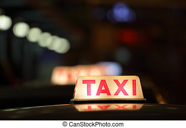 sinal táxi, à noite, em, hong kong