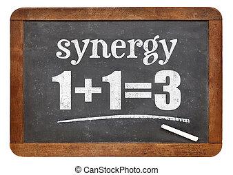 sinergia, concepto, en, pizarra