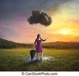 singel, moln, regna, på, a, kvinna