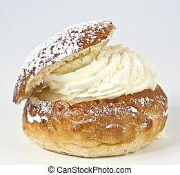 Single cream bun with almond paste, cream and vanilla powder