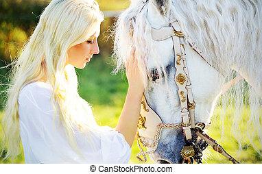 sinnlich, blond, nymphe, und, majestätisch, pferd
