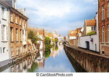 Sint-Annarei canal and Dijver Spiegelrei street - Beautiful...