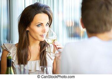 sipping, femme, séduisant, vin