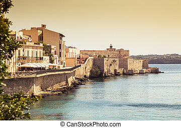 Siracusa castle in ortigia island. Sicily, Italy.