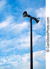 sirenas, poste, megáfono, o