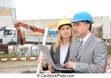 site construction, professionnels