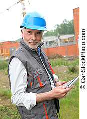 Site manager using electronic tablet