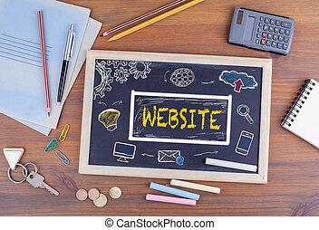sitio web, dominio, html, diseño telaraña, concept., pizarra, en, de madera, escritorio de oficina