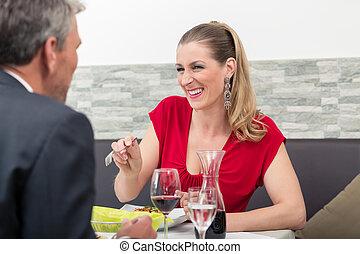 sittande, le womanen, restaurang