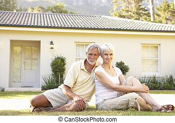 sittande, par ute, hem, senior, dröm