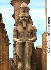 Sitting Ramesses II Colossus Luxor