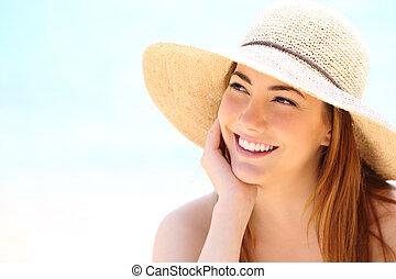 skönhet, kvinna, med, vita tand, le, titta i sidled