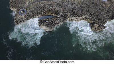 skalisty brzeg morza, antenowy prospekt